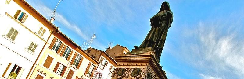 La statua di Giordano Bruno in Campo dè Fiori